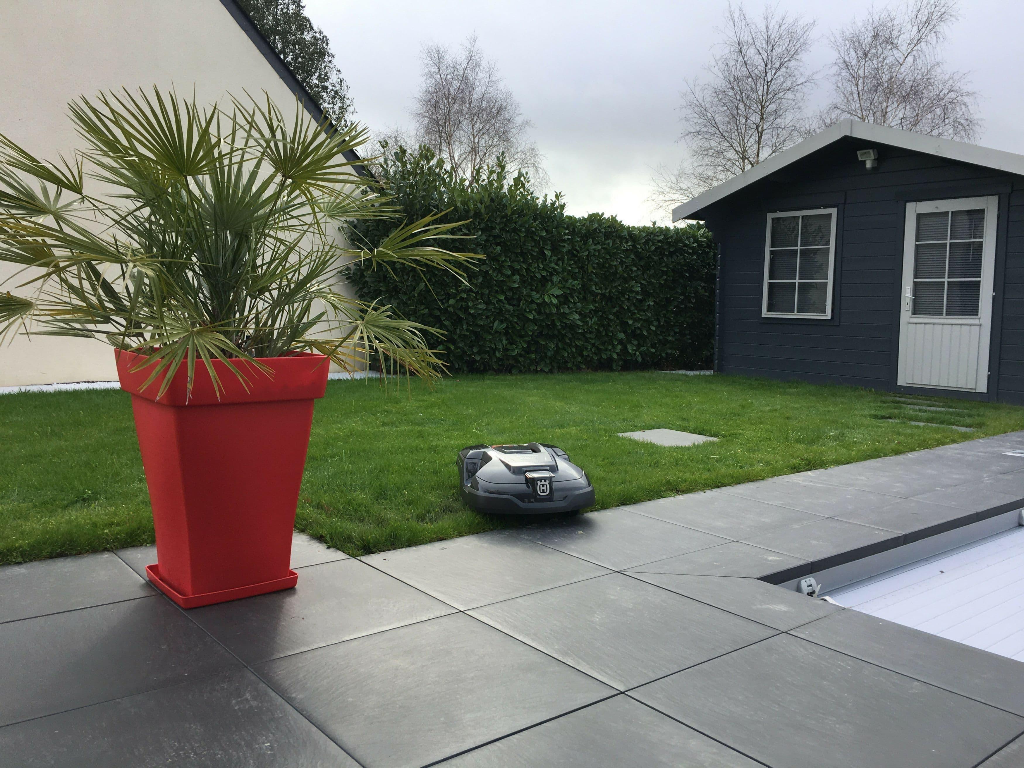 robot tondeuse automower 310 vert lem nantes gu rande. Black Bedroom Furniture Sets. Home Design Ideas